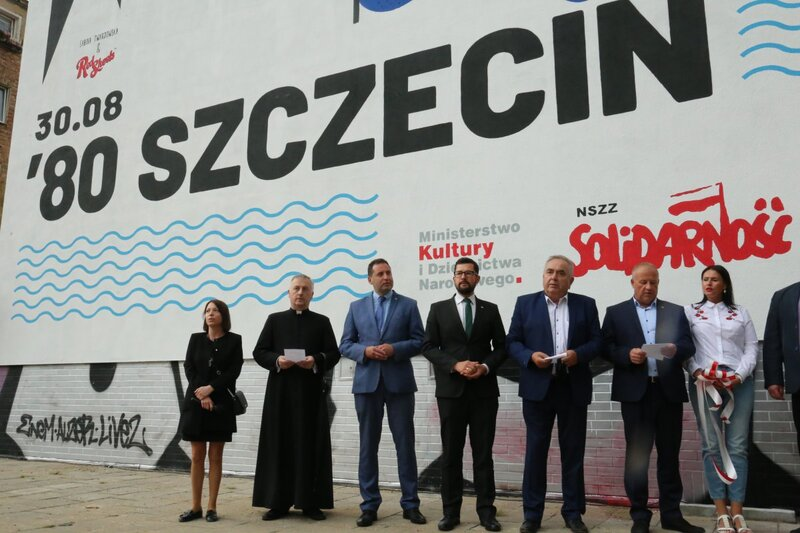 The unveiling of a mural commemorating the 40th anniversary of the August Accords in Szczecin.