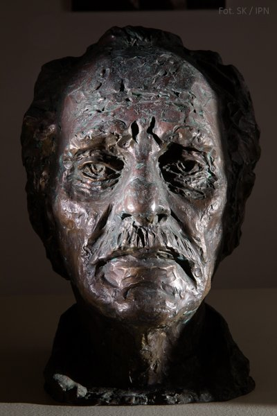 THE HEAD OF THE ARTIST SAMUEL WILLENBERG, BRONZE 2002