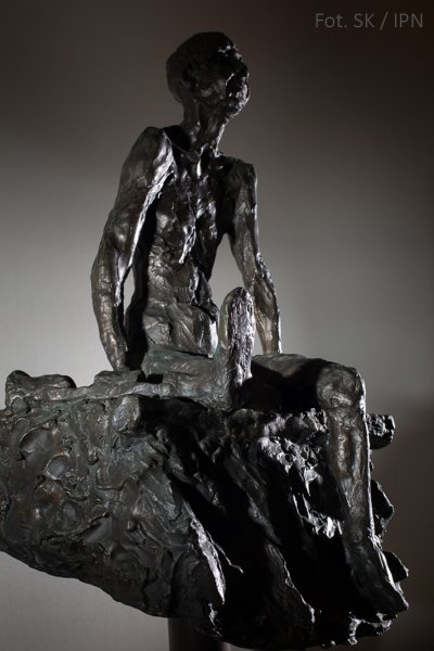 "A CRIPPLED JEW AT THE ENTRANCE TO THE ""LAZARETT"", BRONZE 2002"