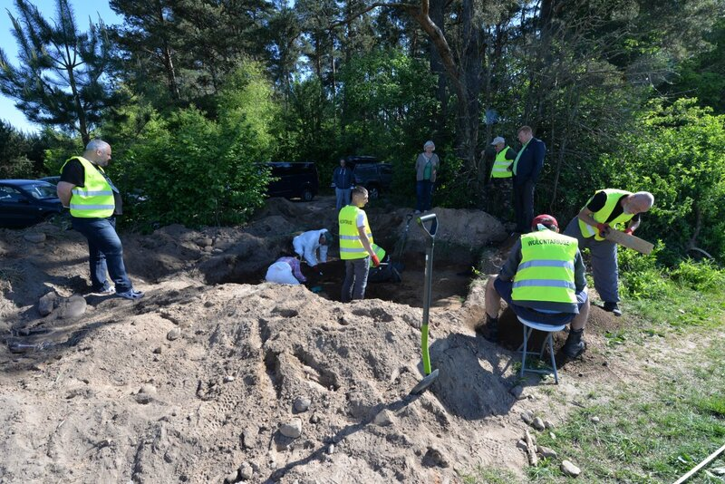 Office of Search and Identification conducting exhumation in the Vilnius region