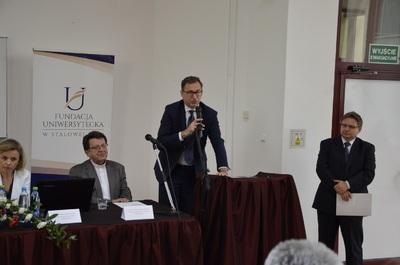 Wykład prezesa IPN dr. Jarosława Szarka, dotyczący odzyskania przez Polskę niepodległości, podczas uroczystości jubileuszowych